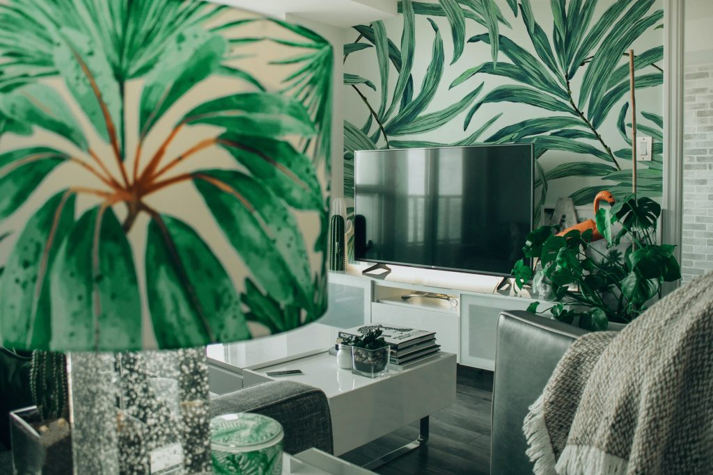 Exotic style living room decorated with plants