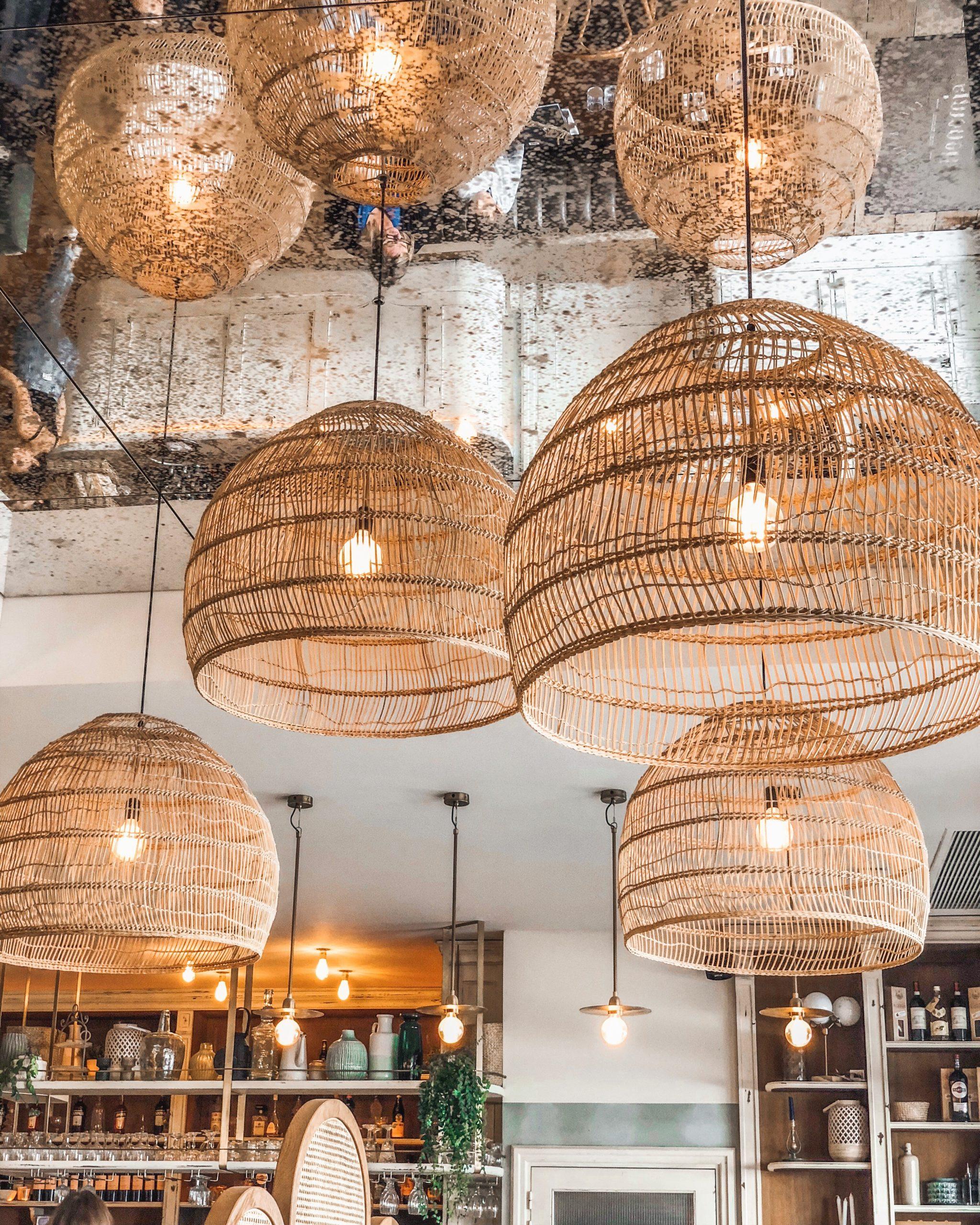 Luminaires suspendus en rotin