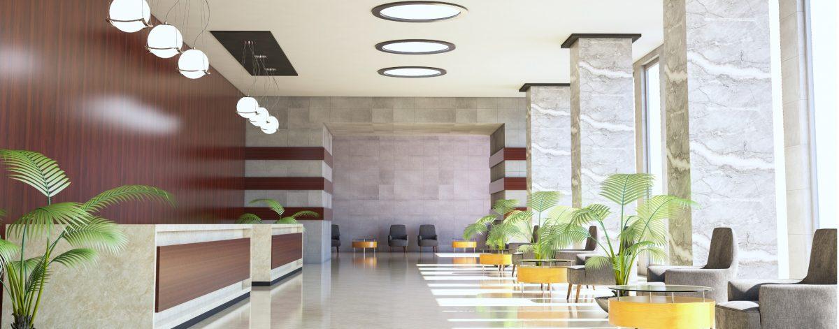 Éclairage d'un bureau d'accueille d'un hotel